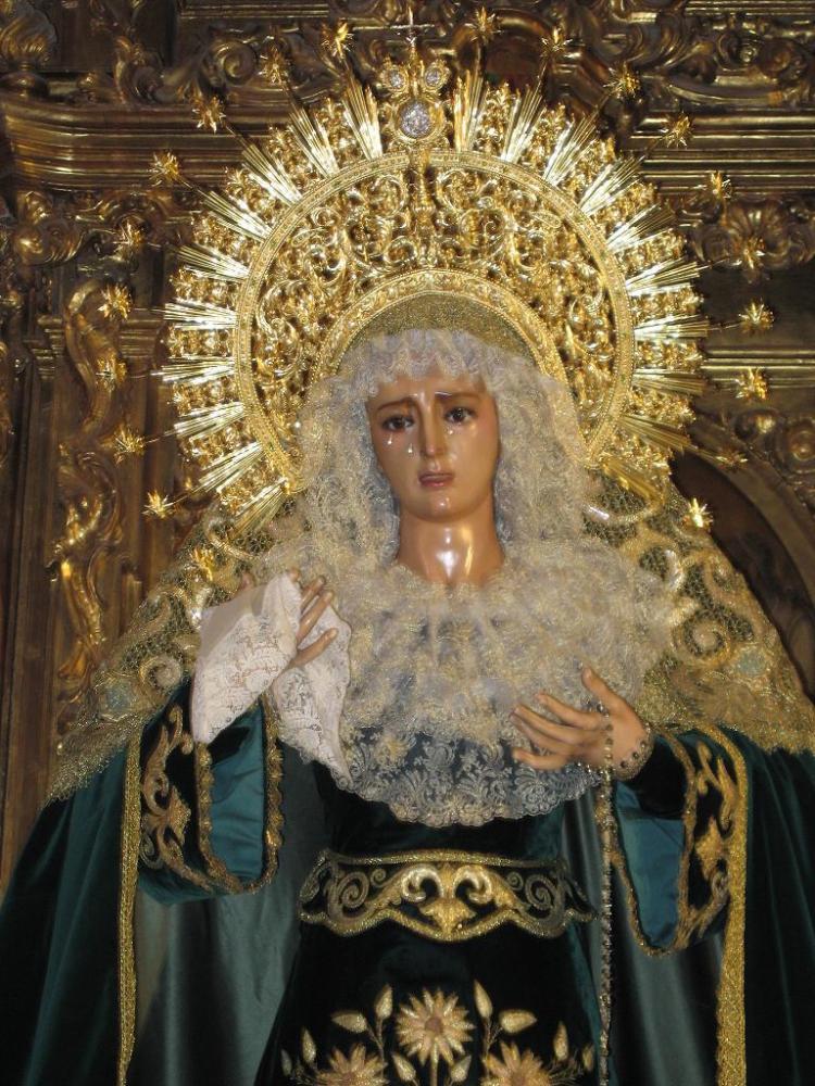 La imagen de la Virgen María (3/4)