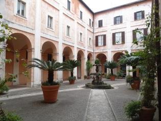 Basílica de Cosme y Damián, patio