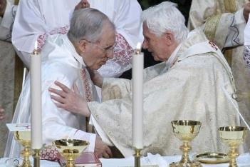 Benedicto XVI y el cardenal Roueco